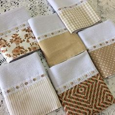 Kit 6 panos de prato combinado bege Dish Towels, Tea Towels, Applique Quilts, Cloth Diapers, Kitchen Towels, Pillow Cases, Diy And Crafts, Sewing Projects, Handmade Gifts