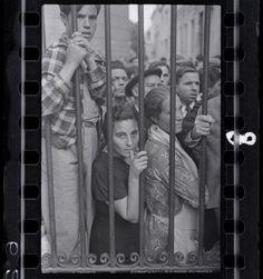 Exposição com fotos raras de Robert Capa desembarca em SP