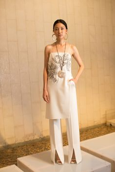 Josie Natori Spring 2017 Ready-to-Wear Fashion Show