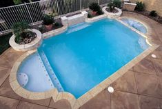 Swimming pool shapes - One of the main concerns when deciding to build a pool is to determine what shape it will have and then choose the color it will have Inground Pool Designs, Backyard Pool Designs, Swimming Pool Designs, Backyard Ideas, Patio Ideas, Outdoor Ideas, Big Backyard, Backyard Paradise, Backyard Pools