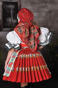 mvstudio.cz - kroje, které se nosí Spanish Costume, Mexican Costume, Folk Costume, Traditional Fashion, Traditional Dresses, Mad Men Peggy, Costumes Around The World, Kids Gown, Vintage Scarf