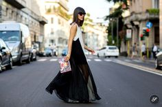 #LauraComolli dropping a floor length number on the situation in Florence. #pursesandi