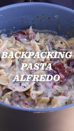 Filled with meaty mushrooms, bright sun-dried tomatoes, and savory bacon bits, this recipe is a lightweight, calorie-dense version of pasta Alfredo. Refuel with some hearty Italian-style comfort food after a long day of hiking! Best Backpacking Food, Hiking Food, Ultralight Backpacking, Hiking Tips, Hiking Gear, Camp Gear, Hiking Backpack, Travel Backpack, Pasta Alfredo