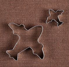 Use our airplane cookie cutters to make fun sugar cookies. The mini airplane cookie cutter can also be used to cut out fondant for cupcake toppers! To decorate your cookies, check out our large select