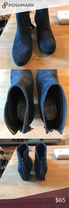 Kenneth Cole Reaction booties Never worn navy blue booties. Very comfortable! Kenneth Cole Reaction Shoes Ankle Boots & Booties