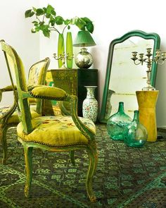 yellow-french-chair-antiques-decorating-ideas