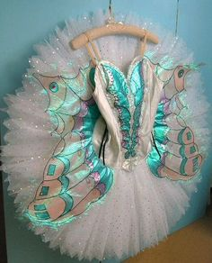 Made to measure professional quality classical ballet tutus for competitions, festivals and performances. Bespoke, custom ordered designs for pancake and romantic tutus, jewellery and professional standard headdresses. Tutu Ballet, Ballet Dancers, Iridescent Color, Ballet Russe, Hallowen Ideas, Body Painting, Fete Halloween, Ballet Clothes, Pretty Ballerinas