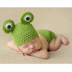 a7ebceb50cc 0-12M Newborn Baby Photo Props Infant Baby Crochet Frog Hats Knitted Tod  Newborn Photography