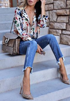 a printed blouse that`ll become your new BFF This thing is so pretty you ll wanna die | Spring outfit ideas | Summer style inspiration