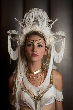 White Headdress Goddess Arianrhod by lotuscircle Photo Japon, Mode Steampunk, Halloween Karneval, Character Inspiration, Style Inspiration, Mode Costume, Tribal Fusion, Models, Headgear