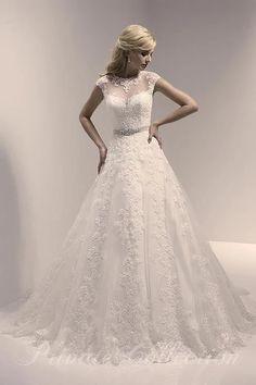 Aluguel de trajes finos para casamento, festa de 15 anos, roupas para noivas, noivos, debutantes, pajem, daminha, madrinha, padrinho, formatura, etc.