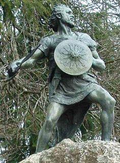 Heroe Lusitano Viriato en Viseu, Portugal.  Lusitanian Hero Viriato in Viseu, Portugal.