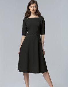 Sukienka klasyczna MIDI s63