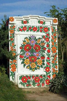 Zalipie - village in Poland, famous for its houses painted in flowers