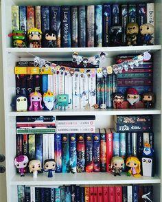 What a beautiful book shelf. I will definitely get this in future 😊😎😎 Ya Books, I Love Books, Books To Read, Funko Pop Display, Dream Library, Book Memes, Book Aesthetic, Shelfie, Book Nooks