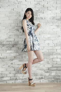 Picture of Ayaka Miyoshi Japanese Beauty, Asian Beauty, Beautiful Asian Women, Beautiful People, Beautiful Legs, Asian Woman, Asian Girl, Korean Girl, Cute Japanese Girl