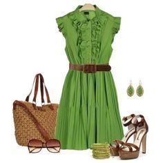 С чем носить коричневые босоножки: светло-зеленое платье, коричневые аксессуары