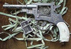 Служебное оружие http://ukazi.ru/n-150-fz/st-4-sluzhebnoe-oruzhie/