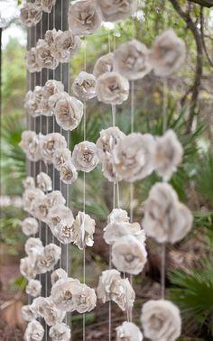 Decoração // Cortina // DIY // Flores de Papel // Paper flowers // Casamento