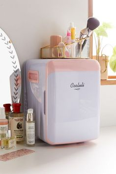 Shop Cooluli Classic Mini Beauty Refrigerator at Urban Outfitters today. We carry all the latest styles, colors and brands for you to choose from right here. Sugar Scrub Diy, Diy Scrub, Beauty Care, Beauty Skin, Beauty Makeup, Rangement Makeup, Urban Outfitters, Teen Room Decor, Refrigerator