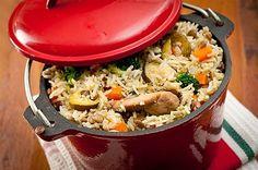 מיטב כותבי ערוץ האוכל מגישים: תבשילים לסוף השבוע - קדרת עוף, אורז וירקות