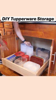 Tupperware Storage, Diy Furniture Couch, Furniture Storage, Diy Kitchen Storage, Organize Kitchen Cupboards, Kitchen With Corner Pantry, Kitchen Cabinet Organizers, Diy Kitchen Ideas, Inside Kitchen Cabinets