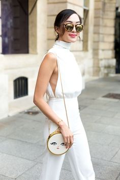 White | Jumpsuit | Clean | Statement bag | Sunglasses | Streetstyle | More on Fashionchick.nl