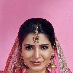 Samantha Images, Samantha Ruth, Allu Arjun Images, Gold Hair Accessories, Tamil Actress Photos, Handsome Actors, Beautiful Indian Actress, Akita, Beautiful Models