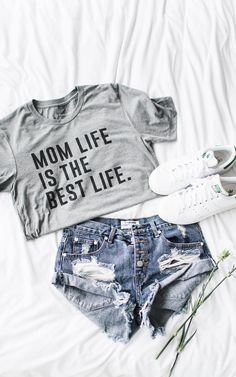 Mom Life is the Best Life T-Shirt - this totally belongs in your Mom wardrobe!