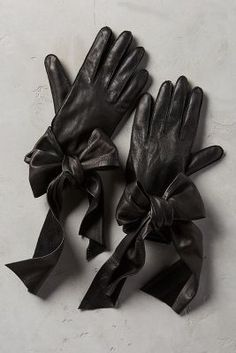 Yestadt Millinery Streaming Bow Leather Gloves