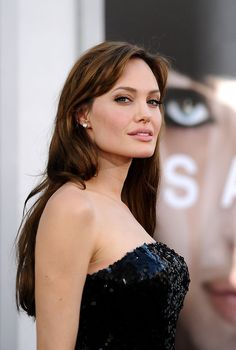 Angelina Jolie hair and makeup
