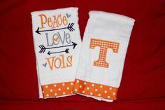 Peace Love Vols  Tennessee Vols Burp Cloth Set by BebesStitches