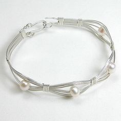 Pearl Gemstone Silver Wire Bracelet (B0096)