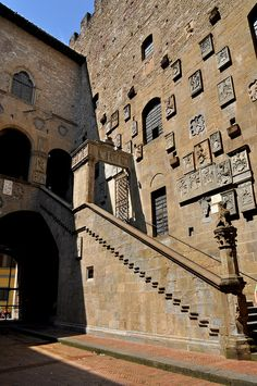 Museo del Bargello:  The Bargello's staircase, built in the 14th century, leads to an upper loggia. Florence.