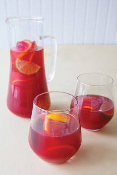 Epicure Scarlet O Sangria Epicure Recipes, Vegan Recipes, Summer Drinks, Fancy Drinks, Cocktail Drinks, Great Recipes, Favorite Recipes, Iced Tea Recipes, Fast Easy Meals