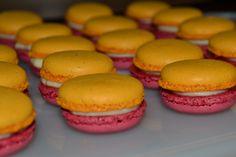 Macarons personalizados com as cores da empresa cliente...sabor?  R.: Caipirinha..hmm!