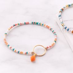 Miyuki beads are perfect for creating amazing jewellery with a minimalist, yet colourful look. Check our inspiration with Miyuki here! Diy Friendship Bracelets Patterns, Diy Bracelets Easy, Summer Bracelets, Bracelet Crafts, Cute Bracelets, Summer Jewelry, Bracelet Patterns, Jewelry Crafts, Beaded Bracelets