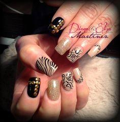 Nails nude....Diseños de Fashion Zone en Monterrey 8348.9999. Especialistas en uñas acr