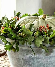 Ruth Burts Interiors: Fall Decor: Arrangements. Great inspiration for your Fall Decor viewing pleasure.