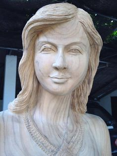 Wood Carving by Phadung.. This guy really pays attention to detail.