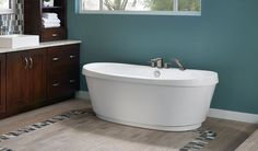 Bravo™ Freestanding Bath | Jacuzzi Baths