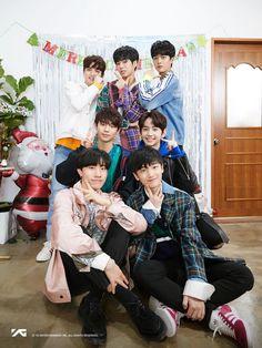Merry Christmas from our boys Treasure Maps, Treasure Boxes, Yg Entertainment, Yoshi, Korean Celebrities, Celebs, Yg Trainee, Hyun Suk, Korea Boy