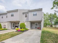 Check out this home at Realtor.com $176,000 2beds · 2+baths 41 Harbor Dr, Hammonton http://www.realtor.com/realestateandhomes-detail/41-Harbor-Dr_Hammonton_NJ_08037_M50404-70297