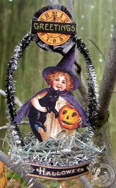 Tired of the common Halloween parties decor? Try these homemade halloween decor this years Hallow's eve. What a perfect Halloween ornament for your home! By the amazing Eccles. Retro Halloween, Spooky Halloween, Vintage Halloween Cards, Halloween Ornaments, Halloween Home Decor, Holidays Halloween, Halloween Crafts, Happy Halloween, Halloween Decorations