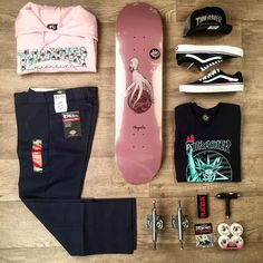 Get ready to shred with this fly @magentaskateboards setup #skate #skatelife #skateboard #skateboarding #skateboardsetup #magentaskateboards #independenttrucks #vans #thrasher #roses #hypebeast