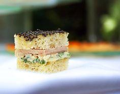 Minis sandwichs au kiwi de l adour saumon fum et fromage for Chalom traiteur