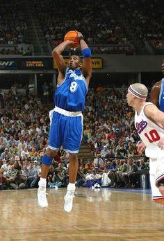 when kobe wearing blue LA Dear Basketball, Basketball Legends, Basketball Photos, Kobe Bryant 8, Lakers Kobe Bryant, Nba Players, Basketball Players, Kobe Mamba, King Lebron