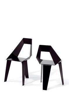 AXIOME CHAIR  material: aluminium, powder coated  size: 85 x 52 x 50 cm  design: Thomas Feichtner