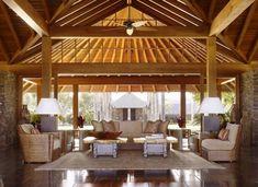 Gartenmöbel aus Rattan als Zusatz zum Interieur