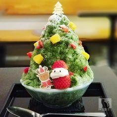 🎅🎄MERRY CHRISTMAS🎅🎄 【12/1~25限定】 クリスマス限定かき氷 🎄もみの木🎄 ♪ いよいよ12月突入! 茶香マスタープロデュースかき氷「重義」でも クリスマスかき氷がスタート ♪ クリスマスツリーを模したかわいいかき氷 抹茶ミルクで食べても大満足にゃー🐱… Global Cooling, Watermelon, Pudding, Fruit, Desserts, Christmas, Food, Tailgate Desserts, Xmas